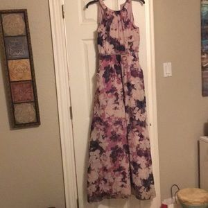 Floral maxi with pockets and built in beaded belt
